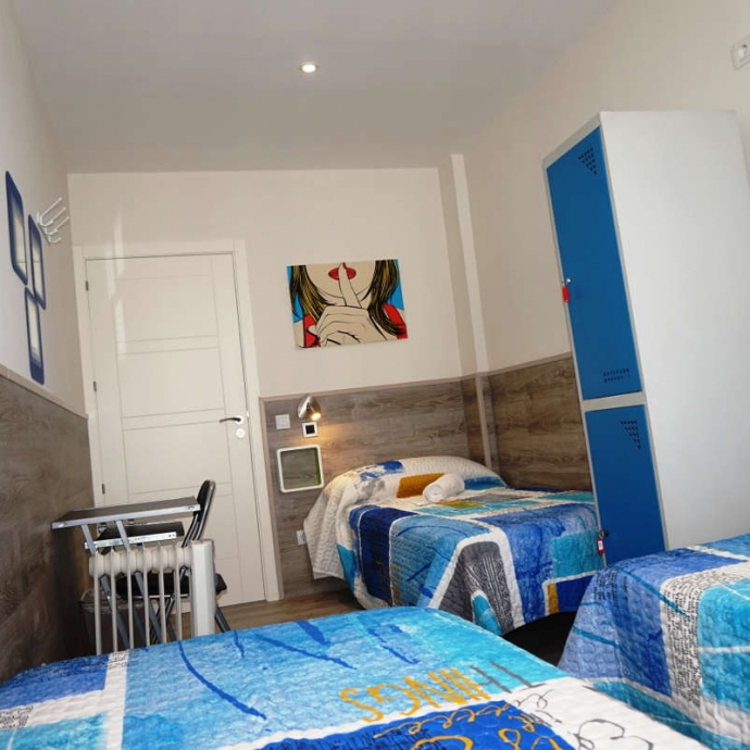 Single Bed in 3-Bed Female Dormitory Room 4
