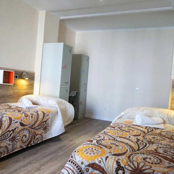 Bed in 4-Bed Dormitory Room with Shared Bathroom 4
