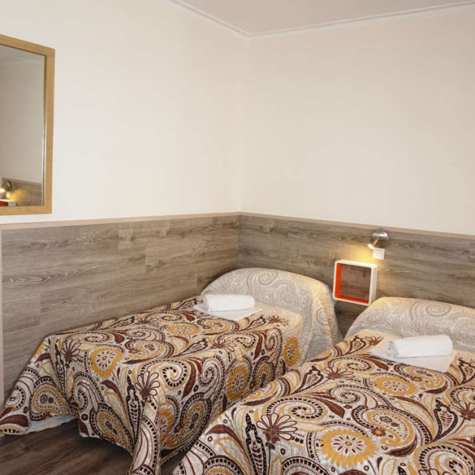Bed in 4-Bed Dormitory Room with Shared Bathroom 1