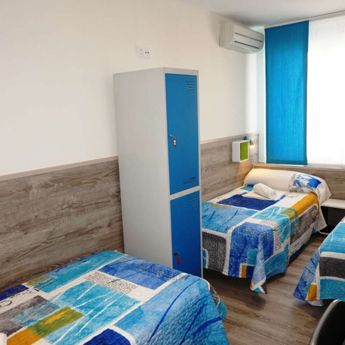 Single Bed in 3-Bed Female Dormitory Room 3